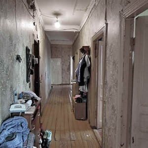 communal-apartment-visit